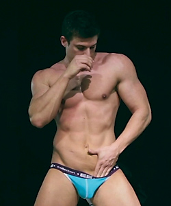 gorgeous-male-stripper