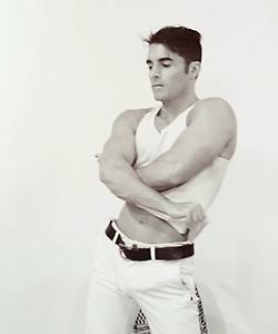 muscle-male-dancer