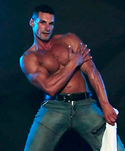 muscled-male-stripper-naked