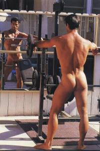 Nude muscle man Scott Layne