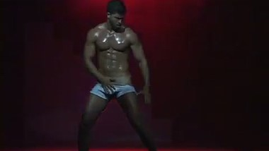 Latin American muscle dancers videos